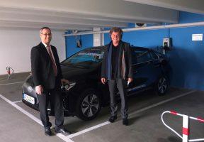 Vier Ladesäulen für Elektroautos in Spielbank Bad Dürkheim