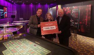 Scheckübergabe: Weihnachtscharity im Casino Velden bringt €7.940