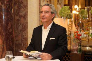 Ex-Topjournalist und Buchautor Robert Sommer im Casino Innsbruck